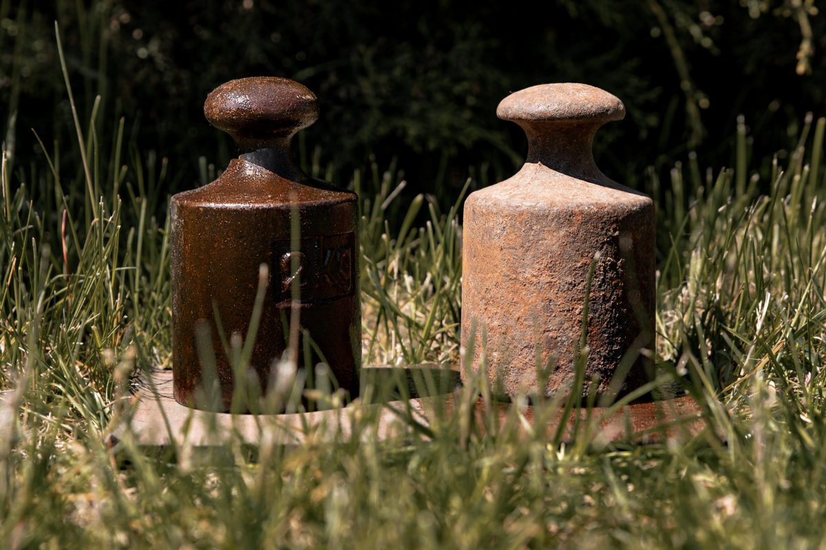 Varnish for metal of natural Baltic amber